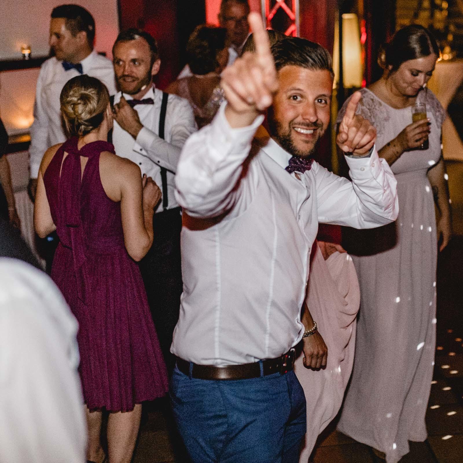 DJ | Djane | Hannover | Hochzeit | Buchen | Anfrage | Moderation