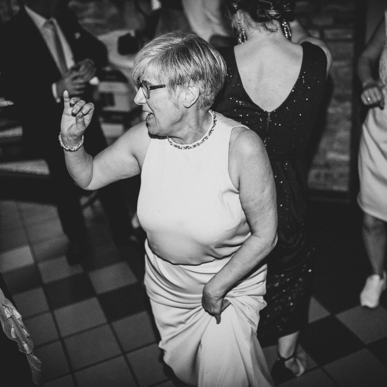 DJ | Djane | Hannover | Hochzeit | Party | Messe | Buchen | Anfrage | Glitzerplatte