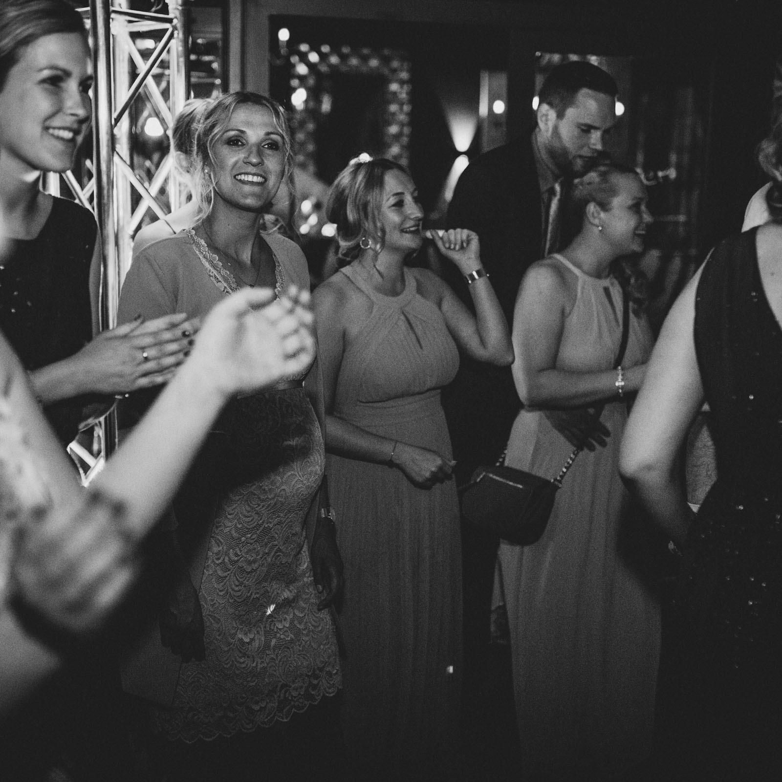 DJ | Hannover | Hochzeit | Buchen | Anfrage
