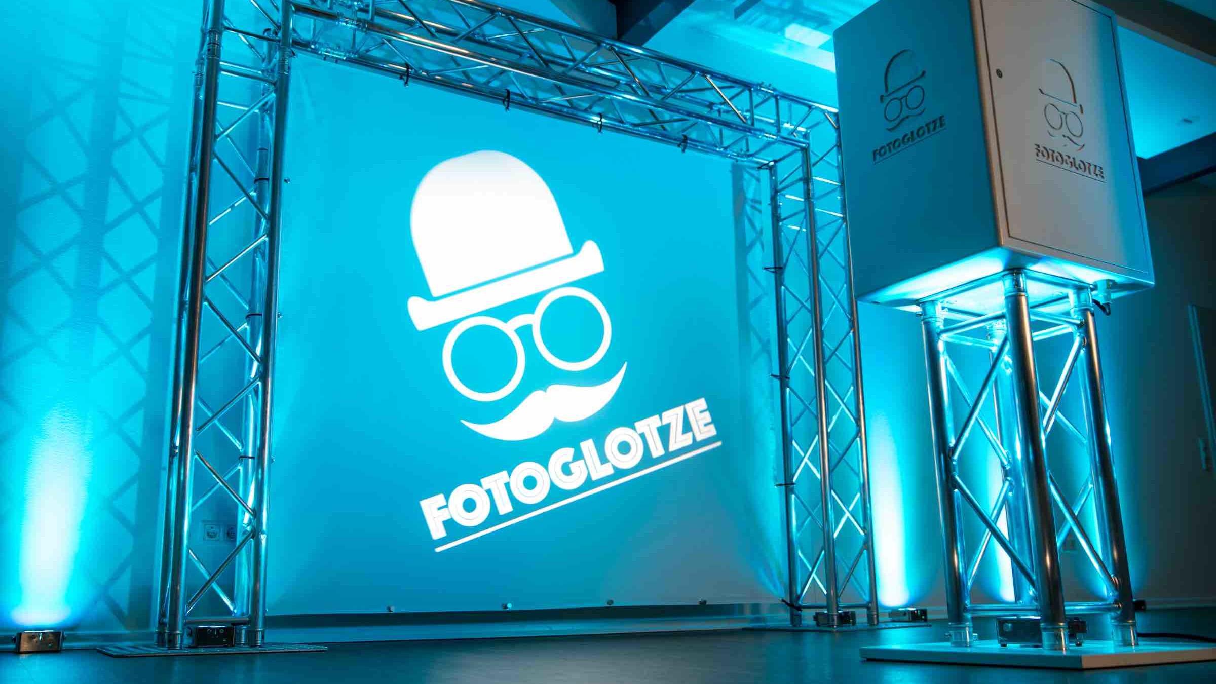 Glitzerplatte | Partner | Fotoglotze | Fotobox | Photobooth | Fotoautomat | Hannover | Mieten | Buchen | Anfragen